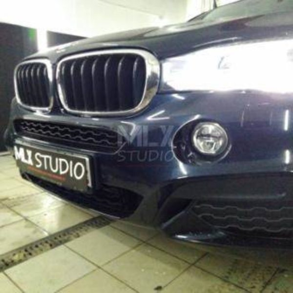BMW X6 F16 (2017 г.в.). Установка накладок суппортов M3-Style.