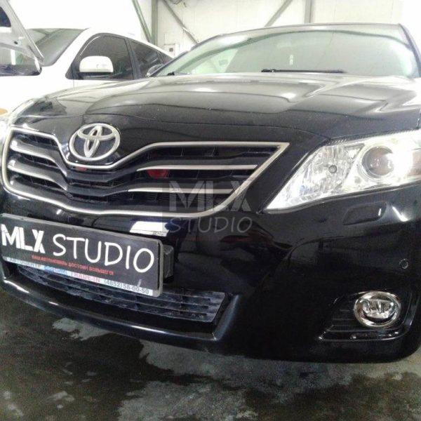 Toyota Camry (2011 г.в.). Замена линз на светодиодные.